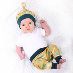 I've just found Bugs Hat And Leggings Set. A matching hat and leggings, covered in bugs! Made from soft organic cotton jersey fabric, for boys or girls.. £23.00