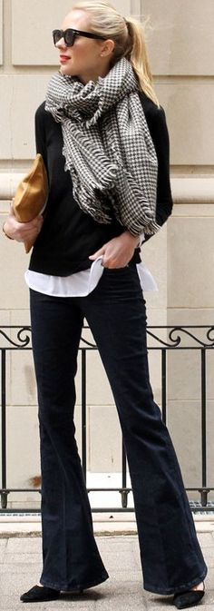 FLARE JEANS & HOUNDSTOOTH SCARF - Fashion Jackson #flare Look Fashion, Winter Fashion, Fashion Outfits, Womens Fashion, Looks Style, Looks Cool, Houndstooth Scarf, Jordan Spieth, Casual Outfits