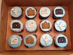 Retirement Travel theme cupcakes