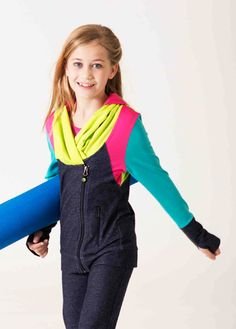Limeapple Boutique And Sport Latest Collection Sport Fashion, Girl Fashion, Sport Outfits, Casual Outfits, Yoga Jacket, Fitness Brand, Sport Body, Sporty Girls, Girl Body