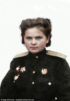 Yekaterina Ryabova, night witches, hero of the sovietunion female pilot. Female Pilot, Female Hero, Female Soldier, Military Women, Military History, Ww2 Women, Women In Combat, Brave Women, Fighter Pilot