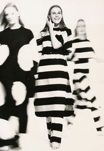 Designs of Vuokko Eskolin-Nurmesniemi for Marimekko and for her own label, Vuokko, between 1950 and Marimekko, Black And White Design, Portraits, Poses, Minimal Fashion, Bohemian Style, Editorial Fashion, Pattern Design, Print Patterns