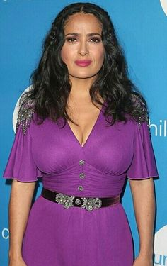 Salma Hayek hot images and Photos. Hollywood, one of the popular actress and director. Salma Hayek biography in short will discuss here. Many her fan follo Salma Hayek Images, Salma Hayek Young, Salma Hayek Body, Salma Hayek Pictures, Salma Hayek Biography, Telenovela Teresa, Selma Hayek, Us Actress, Old Hollywood Actresses