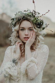 Outdoor Portrait Photography, Outdoor Portraits, Girl Photography, Creative Photography, Makeup Photography, Crown Aesthetic, Portrait Editorial, Photoshoot Concept, Boho Girl