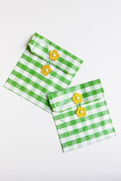 DIY flower party favor bags and envelopes Wrapping Ideas, Wrapping Gift, Envelope Diy, Envelope Templates, Handmade Envelopes, Paper Packaging, Gift Packaging, Treat Bags, Snack Bags
