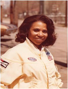 Nellie Goins, of Gary, Indiana, was the first African American female to drive funny cars in the B/FC, A/FC and AA/FC classes.