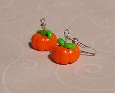 Pumpkins earrings! Boucles d'oreille Citrouilles !