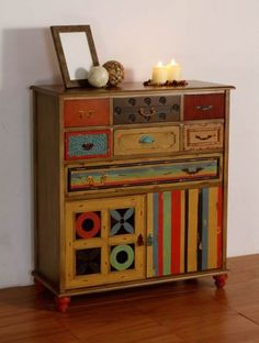 Comoda Taquillon Halskette aus Holz: INDI II Kollektion The post Halskette appeared first on WMN Diy. Art Furniture, Hand Painted Furniture, Funky Furniture, Repurposed Furniture, Furniture Projects, Furniture Makeover, Furniture Online, Painted Chairs, Home And Deco