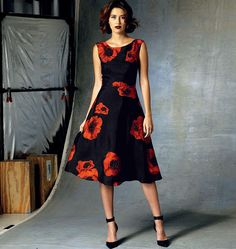 Holiday glam style: Tracy Reese for Vogue Patterns. V1422, Misses'/Misses' Petite Dress