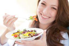 Para despedirse del peso extra, existen muy diversas alternativas. A comienzos de este año, el portal US News & World Report dio a conocer su lista de las mejores dietas para 2017. Se trató de un total de 38 planes considerados según un panel de 20 expertos en medicina, dietas y nutrición de Estados