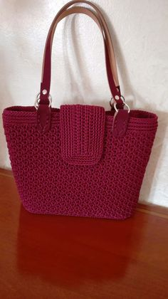 New crochet purse beginner tote bags Ideas Free Crochet Bag, Crochet Tote, Crochet Shoes, Crochet Handbags, Crochet Purses, Crochet Slippers, Knit Crochet, Purse Patterns, Knitted Bags