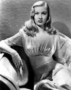 Veronica Lake - Her gaze say so much