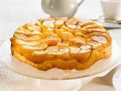 Inverted apple pie Source by Olives, Curry Shrimp, Czech Recipes, Apple Pie, Sweet Recipes, Sweet Tooth, Food And Drink, Tasty, Cooking