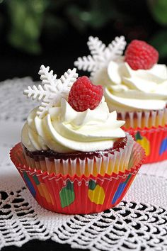 christmas in july cupcakes