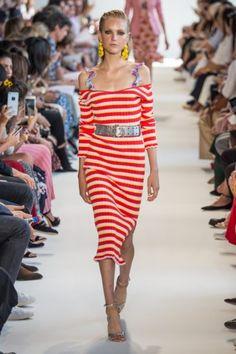 Volants, Bikinivolants und frei gelegte Schultern – das ist die Sommerkombination 2017 – mehr auf Modepilot: Sommertrends 2017