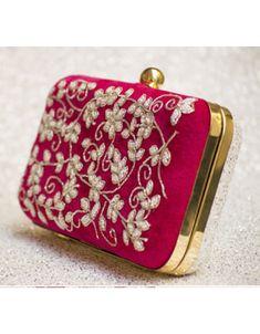 Designer Purses And Handbags, Designer Clutch, Clutch Purse, Purse Wallet, Coin Purse, Bridesmaid Bags, Handbag Stores, Fancy Blouse Designs, Perfume Collection