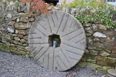 ARCHITECTURAL ANTIQUE LARGE CORN MILL FLOUR GRINDING STONE WHEEL