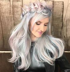 36 Beautiful Holographic Hair Trend Pictures That Are So Stunning You Can't Look Too Long At Them Little Girl Short Hairstyles, Pretty Hairstyles, Braided Hairstyles, Funky Hairstyles, Formal Hairstyles, Wedding Hairstyles, Guy Tang Hair, Color Fantasia, Creative Hairstyles