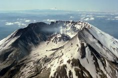 Aerial view, Mount St. Helens, Washington