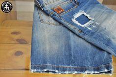 A pedida é jeans!!?  Então segura essa berma da Von der Volke!  Hoje já não rola usar aquele bermudão soltão sabe? A moral é uma berma mais acima do joelho na pegada dessa jeans da Volke!  E mais da hora ainda é ganhar um desc a mais, sabe como??  Essa é a semana da berma, então tu ganha de lambuja 5% a mais na tua compra. E se for a vista tem os clássicos 10% + os sabidos 5% do check-in esperto!  Então, 10 + 5 + 5 = VINTÃO DE DESCONTO!!  Vai perder? É só essa semana ;)