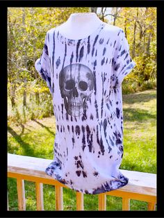 Awesome Skull Tie Dye  Day Of The Dead unisex by tranquilityy