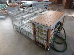 The MF-TC is a homemade tool cart, in my workshop i have my sysport workbench and for small job site work i designed the MFTB tool box. But when i started doing larger job site work helping out other woodworkers i noticed something was not right. Often working on the floor or on shabby work horses at best didn't feel right. So …