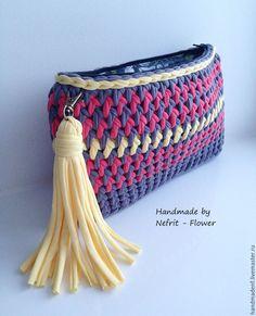 Bobble Stitch Handbag Crochet Pattern with Video Tutorial Bag Crochet, Crochet Clutch, Crochet Needles, Crochet Handbags, Crochet Purses, Love Crochet, Crochet Yarn, Crochet Clothes, Crochet For Beginners Blanket