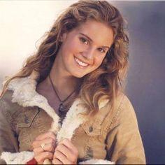 Remember when Lana Del Rey modeled for Hollister?
