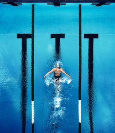 Dana Vollmer for Speedo by Justin Bastien / I Love Swimming, Swimming Sport, Swimming Diving, Scuba Diving, Cave Diving, Swimming Memes, Swimming Tips, Swimming Workouts, Swimming Photography