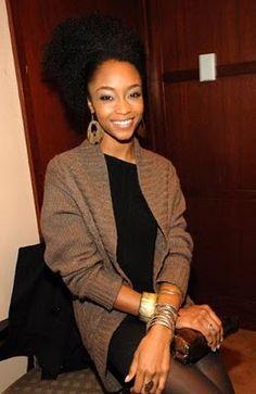 Yaya Dacosta. #OfficiallyNatural #NaturalHair #AfroPuff