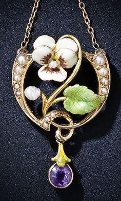 Sweet & colorful Art Nouveau-era pendant necklace, ca 1900.