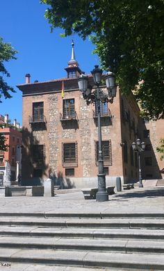 La casa de las 7 chimeneas en la plaza del Rey