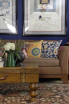 living room - blue wall - ikat pillows