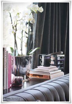 Sofa Table Decor - Table behind Couch Decor Idea |
