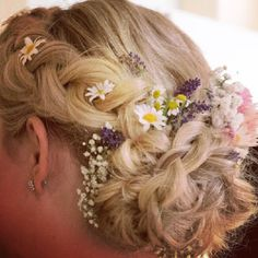 Bridal hairstyle flowerwreath Wedding