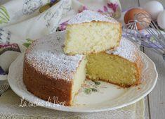 TORTA ALLA PANNA MONTATA Fresco, Fairy Food, Plum Cake, Vanilla Cake, Nutella, Food To Make, Tart, Cheesecake, Oven