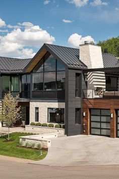 37 Stunning Contemporary House Exterior Design Ideas You Should Copy - Today, contemporary house plans are very intelligently designed to give utmost comfort to the people. These plans not only feature flexible floor spac. Dream Home Design, Modern House Design, My Dream Home, Modern Wood House, Modern Lake House, Modern Farmhouse Exterior, Farmhouse Ideas, Farmhouse Style, Farmhouse Decor