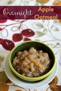 Overnight Apple Oatmeal Throw a few ingredients in the crockpot before bed and you'll wake up to a healthy and delicious breakfast! Slow Cooker Recipes, Crockpot Recipes, Cooking Recipes, Healthy Recipes, Breakfast Dishes, Breakfast Recipes, Breakfast Crockpot, Breakfast Ideas, Crockpot Lunch