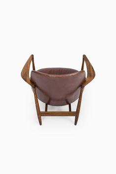 Ib Kofod-Larsen Elizabeth easy chairs in rosewood at Studio Schalling