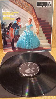 THE MELACHRINO ORCHESTRA. STRAUSS WALTZES. LP / RCA - 1960 / MBC. ***/***