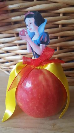 Lillianna s school apple assignment Healthy Birthday, Birthday Treats, Party Treats, Birthday Parties, Fruit Decorations, Food Decoration, Healthy Treats, Healthy Kids, Deco Buffet
