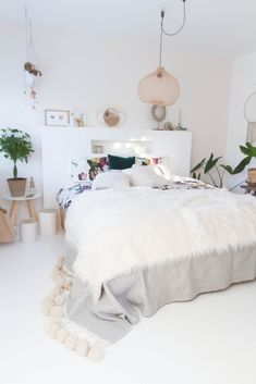 Just stay in bed day Master Bedroom, Bedroom Decor, Always Kiss Me Goodnight, Stay In Bed, Interior Decorating, Interior Ideas, Fashion Room, Rattan, Sweet Home