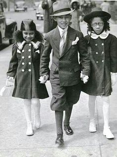 A snapshot of historical fashion from the Harlem Renaissance. i remember these ! American Women, American Photo, African American History, American Children, British History, Harlem Renaissance Fashion, Renaissance Wedding, Black Art, Movies
