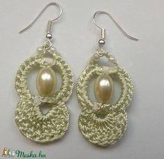 Horgolt fülbevaló (anyuci14) - Meska.hu Pearl Earrings, Pearls, Handmade, Jewelry, Fashion, Moda, Pearl Studs, Hand Made, Jewlery