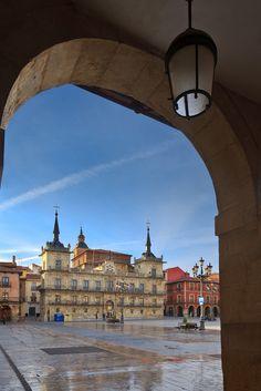 Mayor Square. León. Castilla y León. Spain