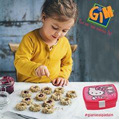 Νομίζω θα ξετρελαθούν όλοι στο σχολείο με τα κουλουράκια μου!!! Δοχείο φαγητού Hello Kitty ->  http://gimsa.gr/images/catalogues/gifts-2015.pdf  #gimsa #gianasaipadain