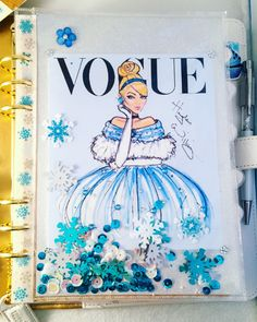 Cinderella planner supplies! Love this shaker dashboard!   http://mysocalledchaos.com/2017/01/disney-princess-snow-white-cinderella-planner-supplies.html