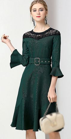 Chic O-Neck Flare Sleeve Lace Patchwork Skater Dress