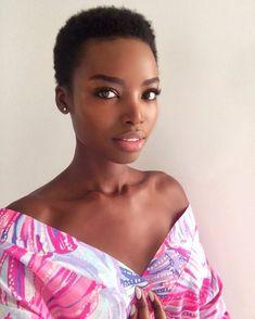 Afro, beautiful, and black beauty image Short Natural Haircuts, Modern Short Hairstyles, Long Bob Hairstyles, Afro Hairstyles, 1930s Hairstyles, American Hairstyles, Hairstyles 2016, Black Female Model, Black Models