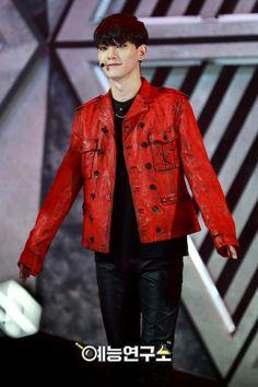 Chen - 160614 MBC Show! Music Core website update Credit: MBC. (MBC 쇼! 음악중심)